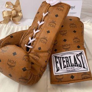 4aa5062e4e3 MCM Lace Visetos Coated Canvas Boxing Gloves NWT